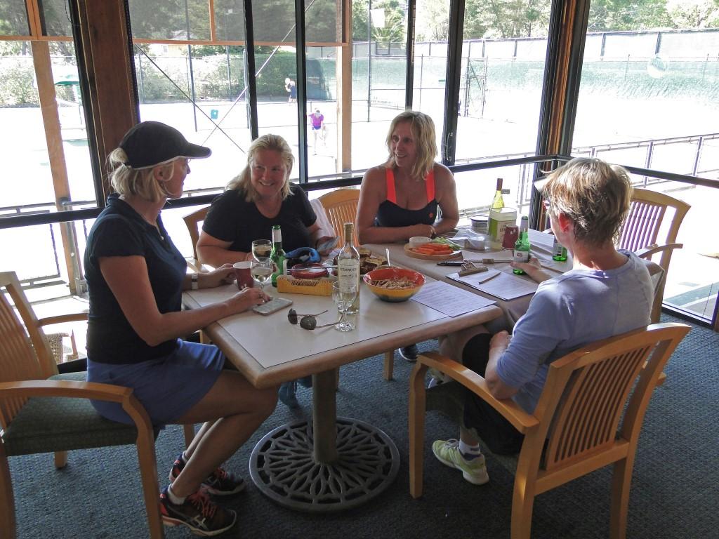 folk-in-cafe